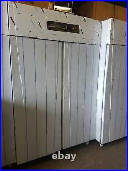 Cpg-202-uc Upright Gastronorm Commercial Fridge Double Door, Compressor On Top